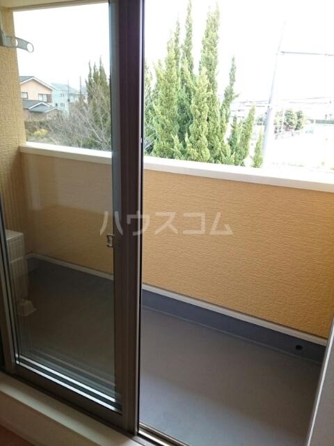 アルジャン 02020号室のバルコニー