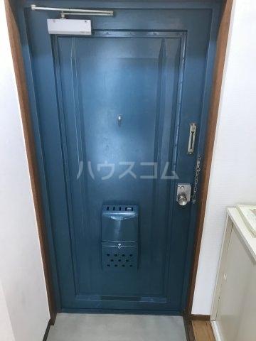プチメゾン上大崎 302号室の玄関
