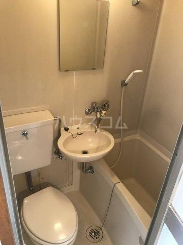 プチメゾン上大崎 303号室の風呂