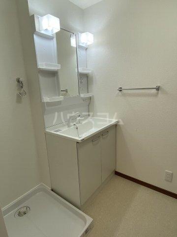 サンパレス鷹匠 702号室の洗面所