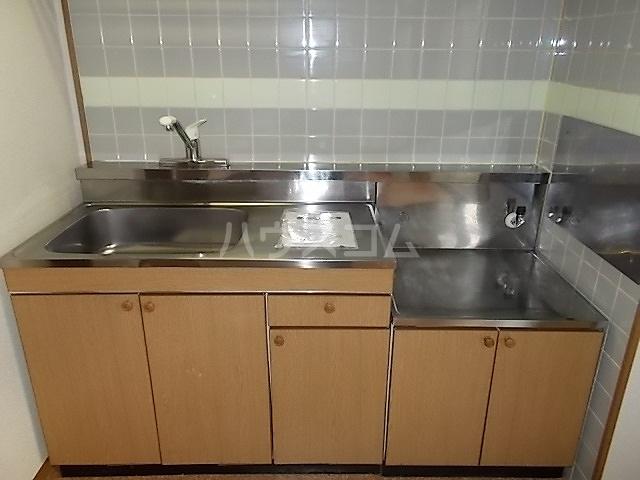プランタン長谷部B 01030号室のキッチン