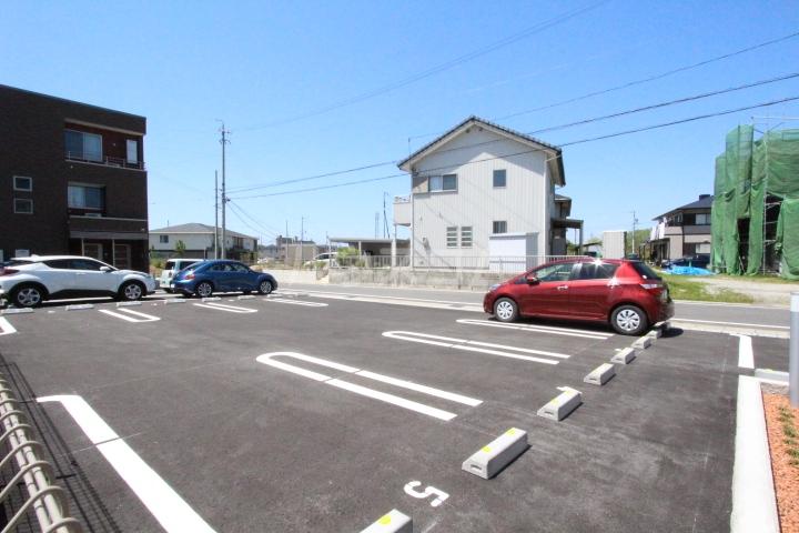 アプリコットA 03010号室の駐車場