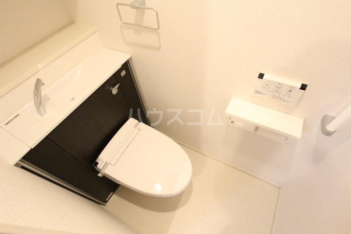 アプリコットA 03010号室のトイレ