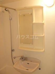 ドゥーエ練馬Ⅱ 1004号室の洗面所