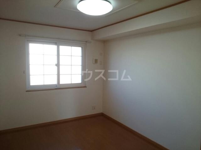 メルヴェールナカムラ壱番館 01010号室の洗面所