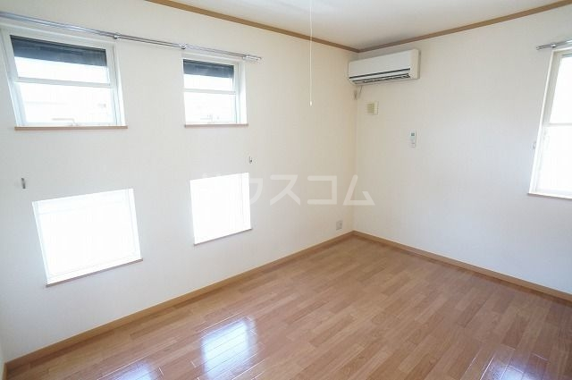 セイバリ- 02010号室のベッドルーム