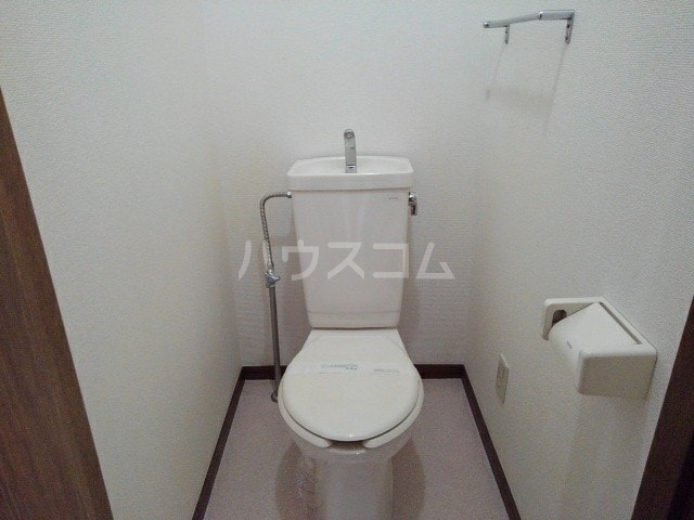 グリュークアネックス A 02020号室のトイレ