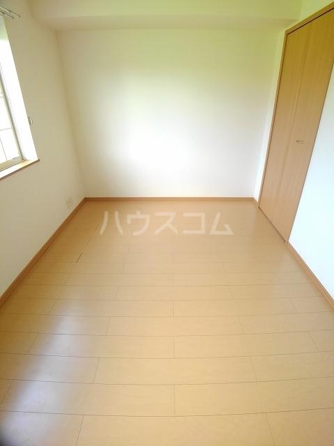 メゾン ド ソレイユ B 01020号室のベッドルーム