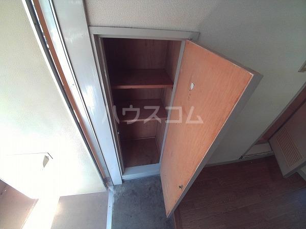コーポチェリー 102号室の収納