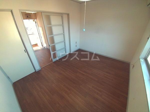 コーポチェリー 102号室のベッドルーム