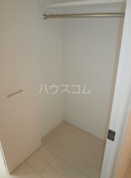 ユリカロゼAZEST高島平 901号室の収納