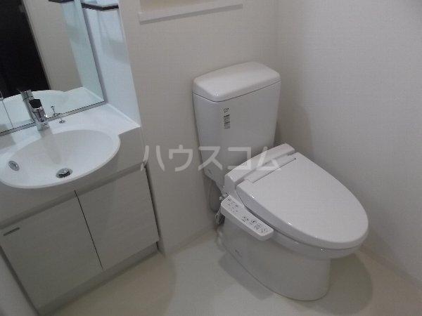 レアライズ綾瀬 406号室のトイレ