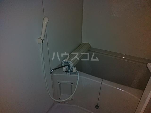 エバーグリーン 203号室の風呂
