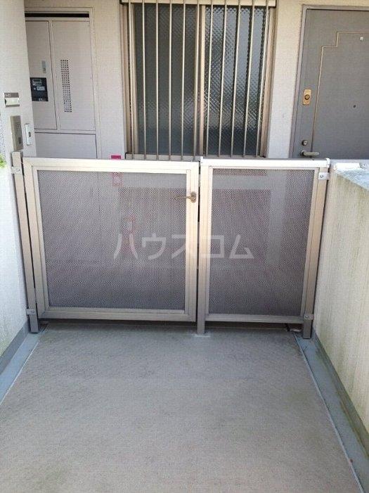 ルイシャトレ百草園ヒルズB棟 7F号室のセキュリティ