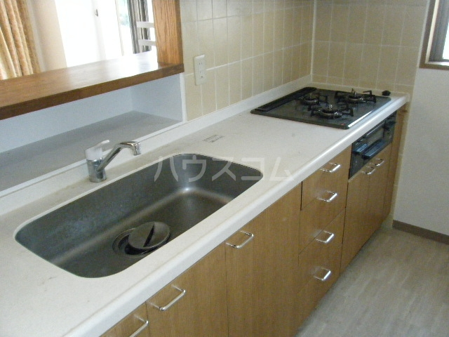 ルイシャトレ百草園ヒルズB棟 7F号室のキッチン