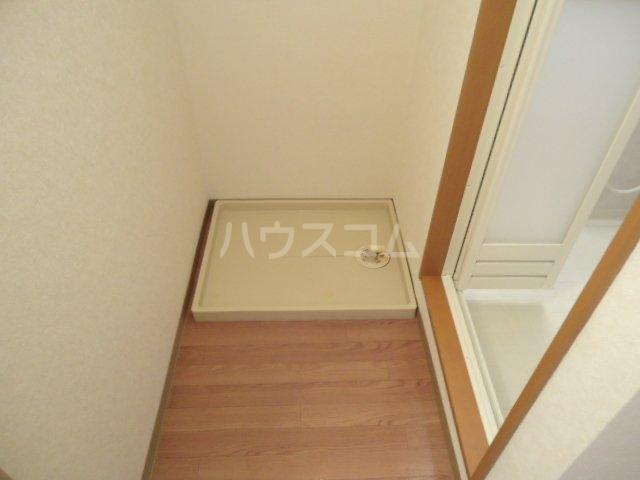 エル・アール 105号室の玄関