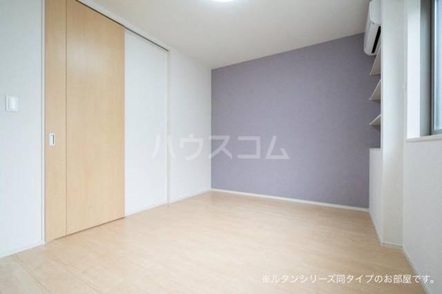 カーサ アルソーレ 01010号室のベッドルーム