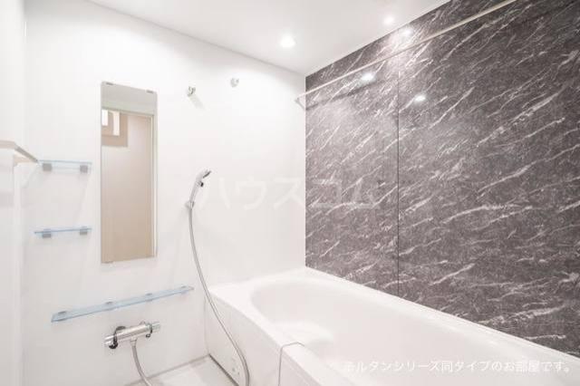 カーサ アルソーレ 01010号室の風呂