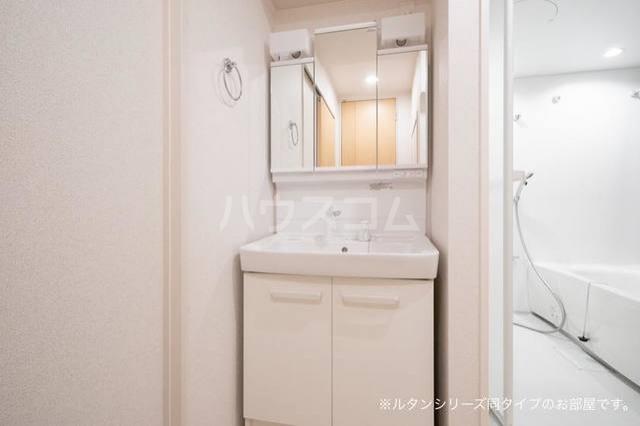 カーサ アルソーレ 01010号室の洗面所