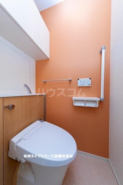 グランド・ヴィラ 01020号室のトイレ