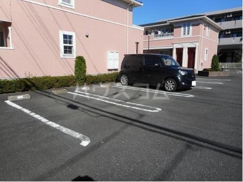 アヴァンティ Ⅰ 01020号室の駐車場