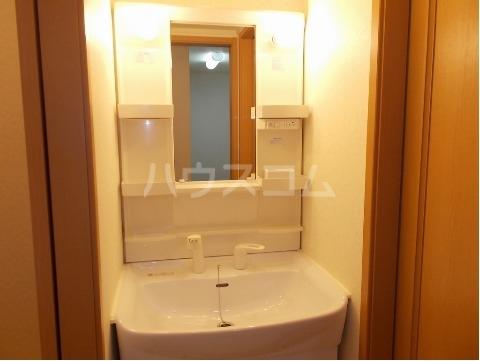 アヴァンティ Ⅰ 01020号室の洗面所