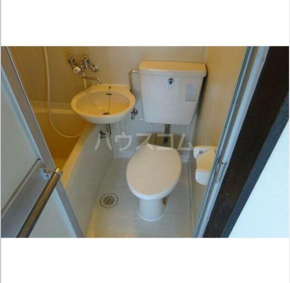 ライフピアリバティ 201号室のトイレ