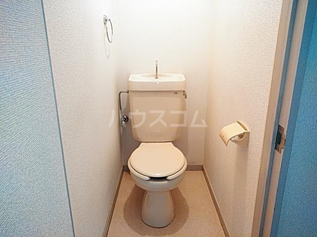 カーサみどり台 B棟 201号室のトイレ