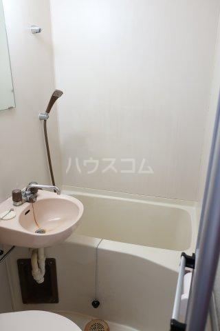 若草荘 303号室の風呂
