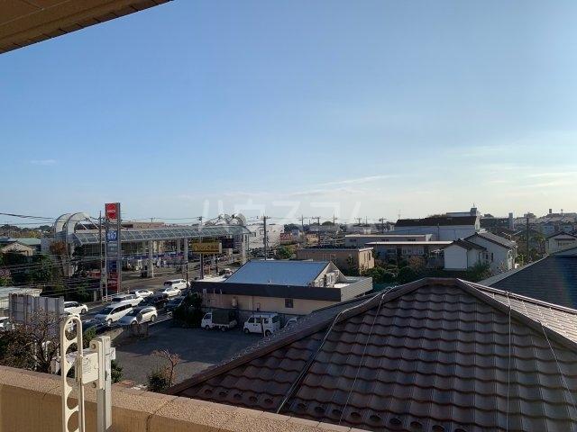 グランドエンブレム横浜 404号室の景色