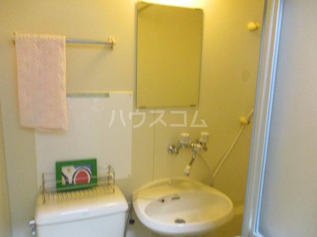 アゼリアKⅠ 106号室の洗面所