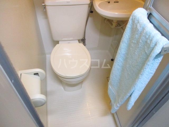 アゼリアKⅠ 106号室のトイレ
