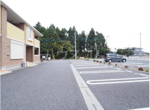 チヨ タウンC 02020号室の駐車場