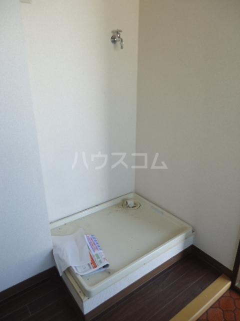 ベルデ表山 201号室の洗面所
