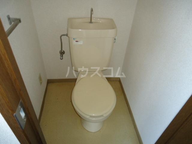ベルデ表山 201号室のトイレ