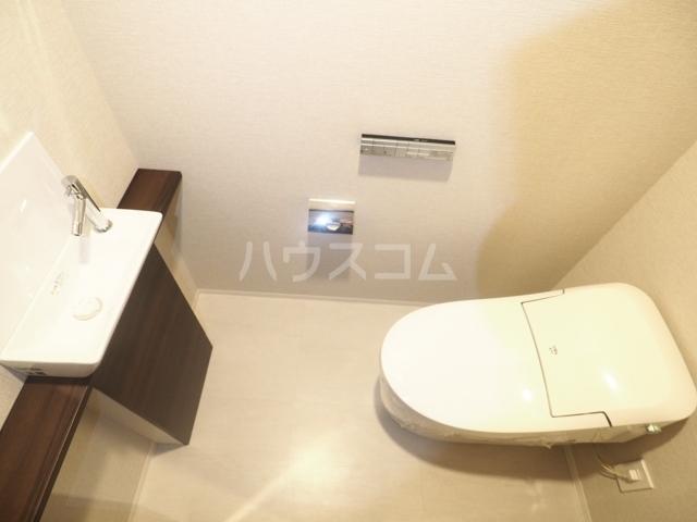 プラウド東白壁 106号室のトイレ