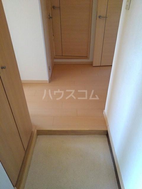 ニューエルディム土居 03030号室の玄関