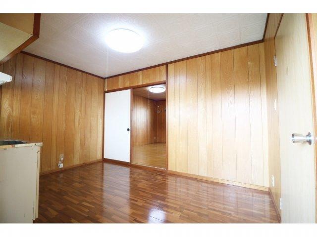 丸豊商事ビル6 4-B号室のリビング
