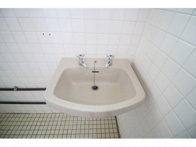 丸豊商事ビル6 4-B号室の収納