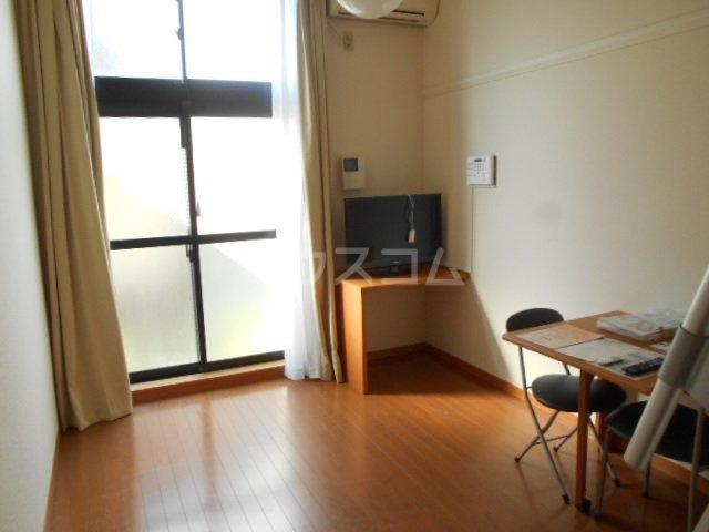 レオパレス小町A 103号室のバルコニー