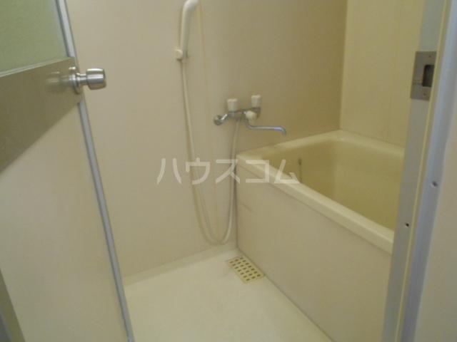 ファミリーコーポ笈川B 201号室の風呂