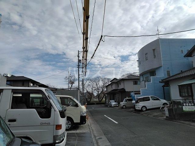 田畑ハイツルシアスⅡ 302号室の駐車場