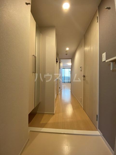 サン・リグノ 01030号室の玄関