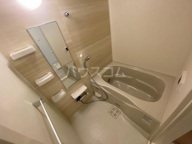 サン・リグノ 01030号室の風呂