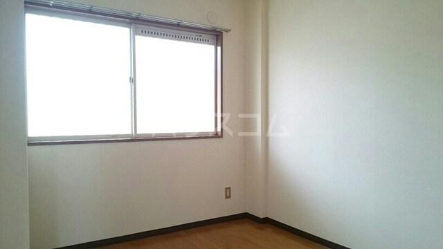 ハイツイチハラB 02030号室のリビング