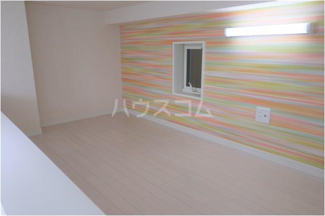 根岸スパイスガールズ 201号室のベッドルーム