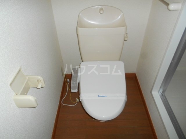 レオパレスWINS寺尾 303号室のトイレ