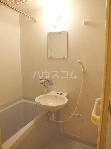 レオパレスMONEⅡ 209号室の洗面所