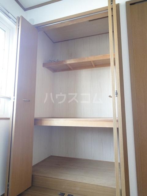プリムロ-ゼ B 02020号室の収納