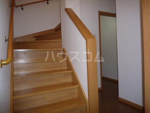 サン・ヒルズ永国B 02020号室の収納